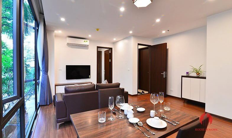 Modern bright 1BR serviced apartment for rent on Tu Hoa street