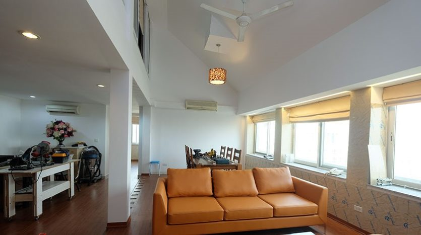 duplex penthouse for rent in E1 Ciputra 32