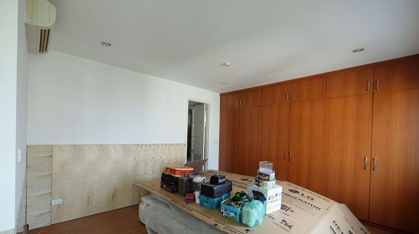 duplex penthouse for rent in E1 Ciputra 34