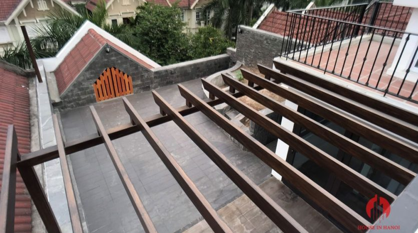 extensively renovated villa with rooftop in ciputra 15