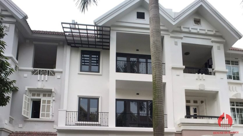 extensively renovated villa with rooftop in ciputra 34