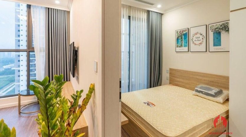 lovely apartment for rent in tay ho near nhat tan 6