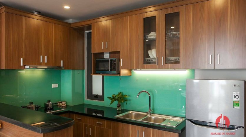 polished bright apartment for rent on yen phu 1