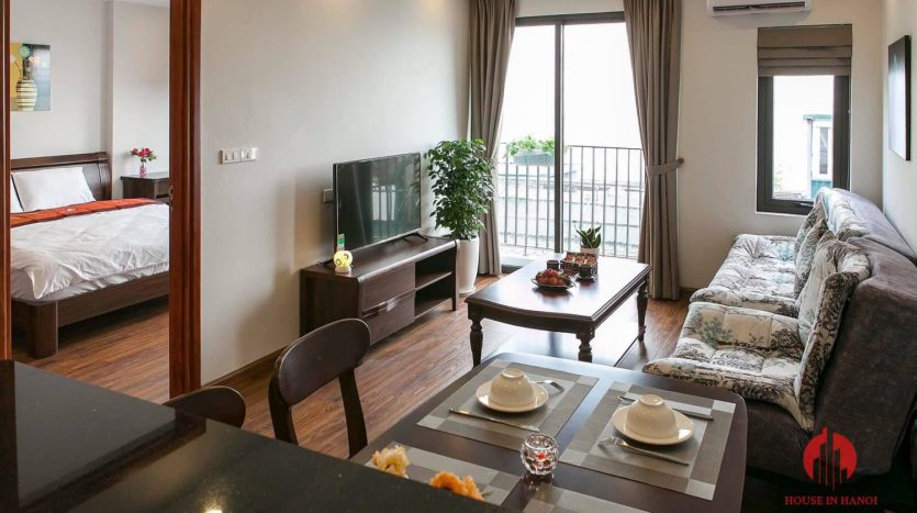 polished bright apartment for rent on yen phu 10