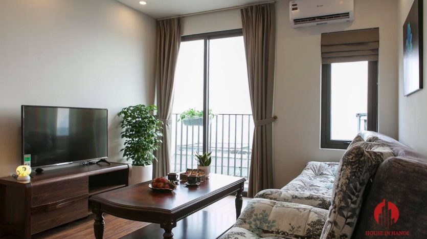 polished bright apartment for rent on yen phu 12