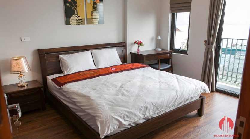 polished bright apartment for rent on yen phu 17