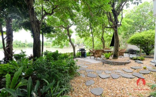 riverside garden villa for rent in hanoi 1