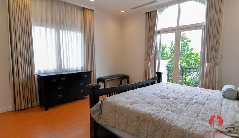 riverside garden villa for rent in hanoi 17