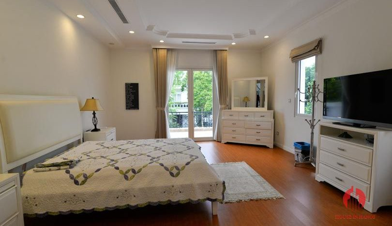 riverside garden villa for rent in hanoi 20