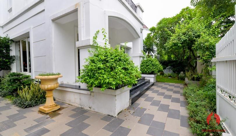 riverside garden villa for rent in hanoi 24