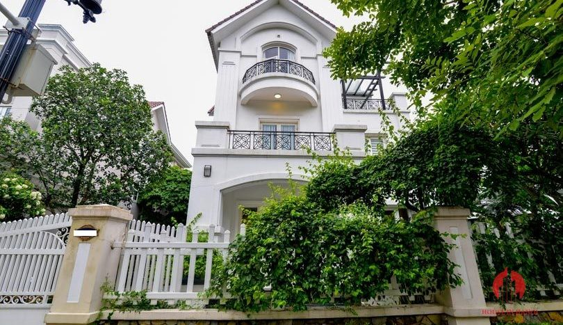riverside garden villa for rent in hanoi 3