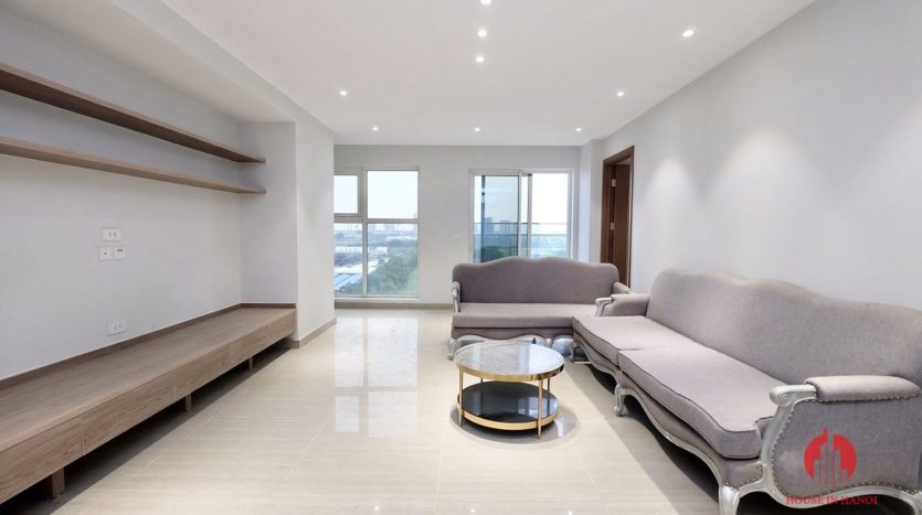 spacious apartment rental with golf view in ciputra 11