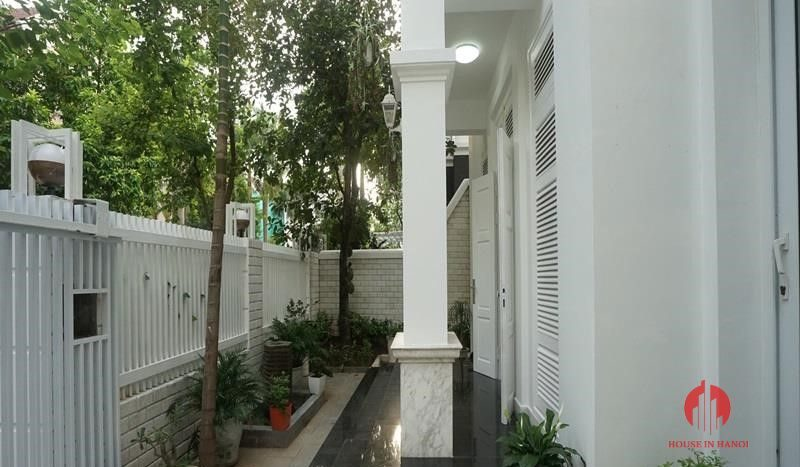 villa for rent in T Block Ciputra 19