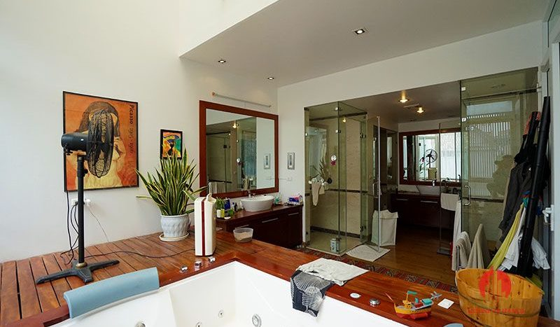 Contemporary villa with pool for lease on To Ngoc Van street Tay Ho 20
