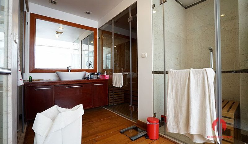 Contemporary villa with pool for lease on To Ngoc Van street Tay Ho 23