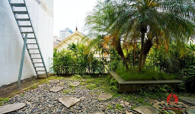 Contemporary villa with pool for lease on To Ngoc Van street Tay Ho 28