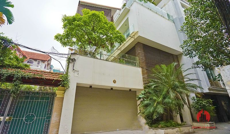 Contemporary villa with pool for lease on To Ngoc Van street Tay Ho 29