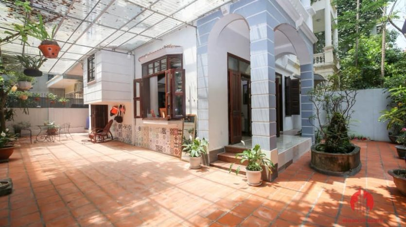 house for rent on 31 xuan dieu 22