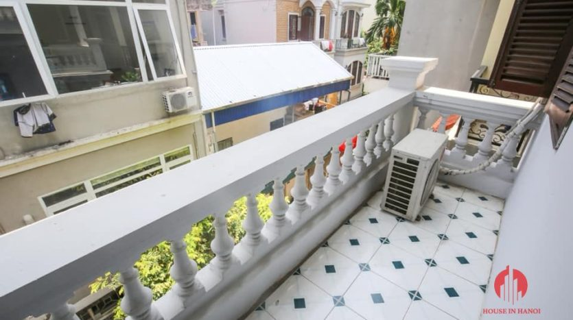 house for rent on 31 xuan dieu 24