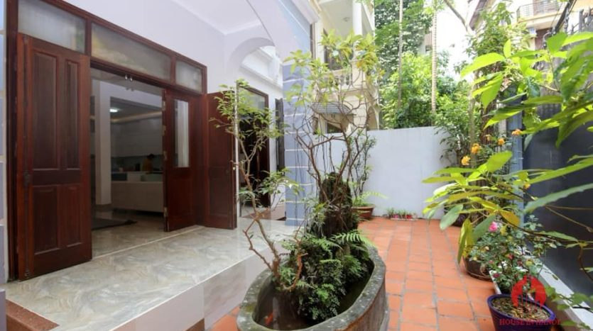 house for rent on 31 xuan dieu 9