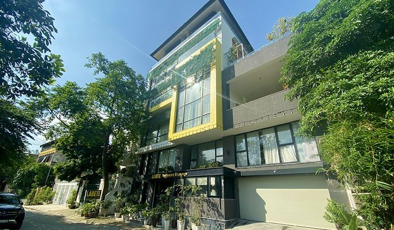 Huge contemporary villa for rent on Au Co street Tay Ho district 1