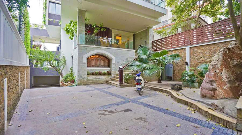 Huge contemporary villa for rent on Au Co street Tay Ho district 15