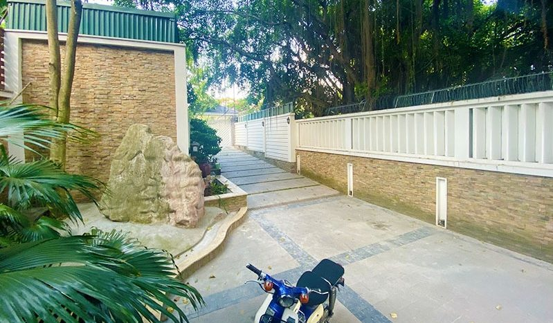 Huge contemporary villa for rent on Au Co street Tay Ho district 19