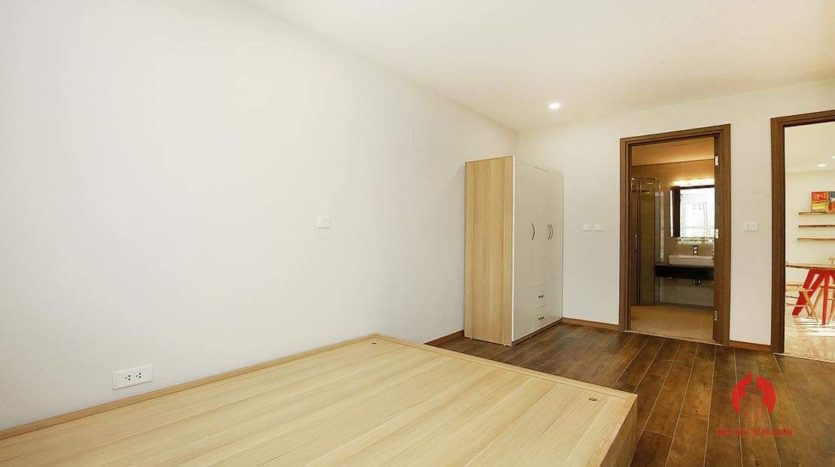 Lovely light 2BR apartment for rent in L3 Tower 1