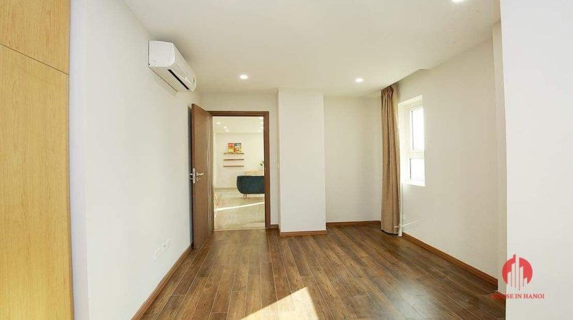 Lovely light 2BR apartment for rent in L3 Tower 2