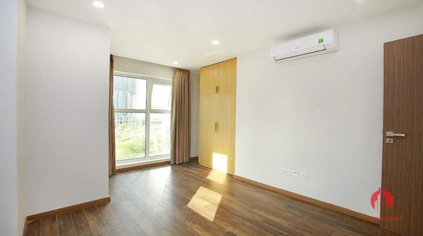 Lovely light 2BR apartment for rent in L3 Tower 3