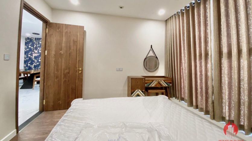New luxurious 3BR apartment for rent in Sunshine City 10