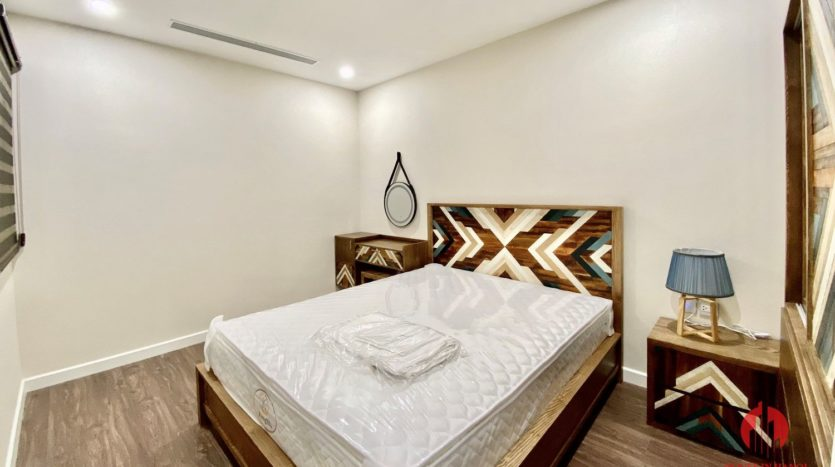 New luxurious 3BR apartment for rent in Sunshine City 14