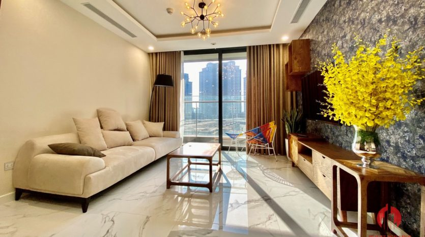 New luxurious 3BR apartment for rent in Sunshine City 6