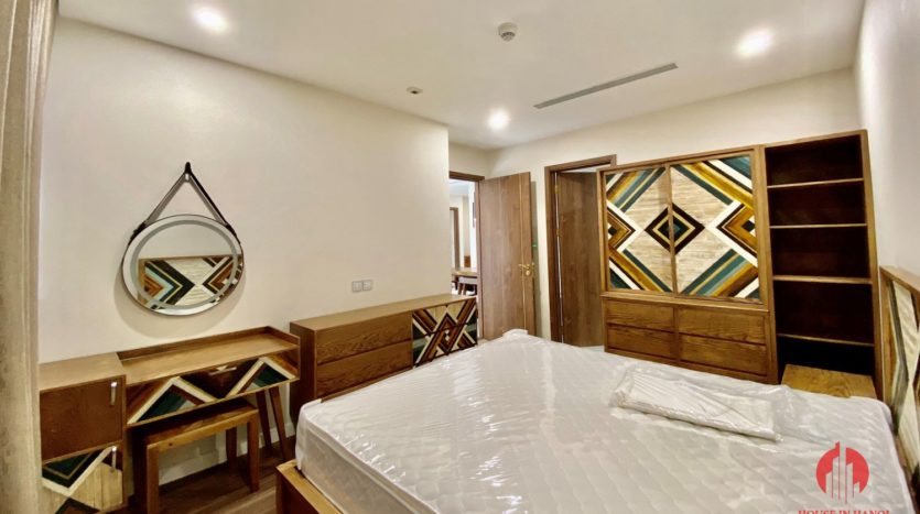 New luxurious 3BR apartment for rent in Sunshine City 7