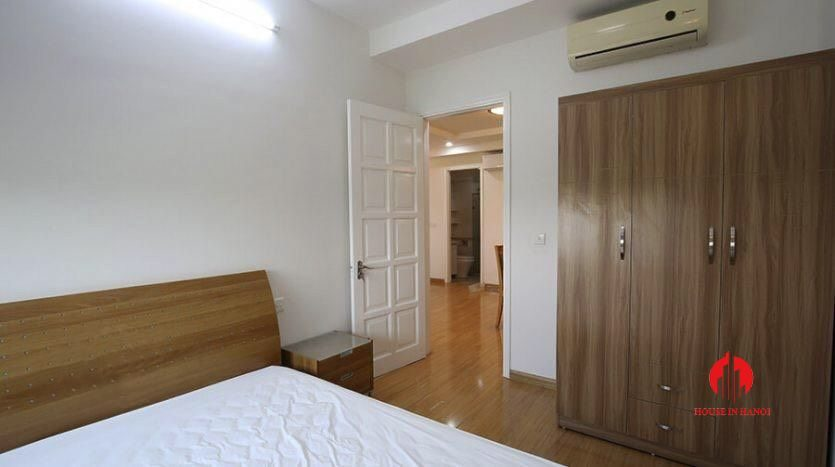 cheap 4br apartment for rent in e4 cipurta 1