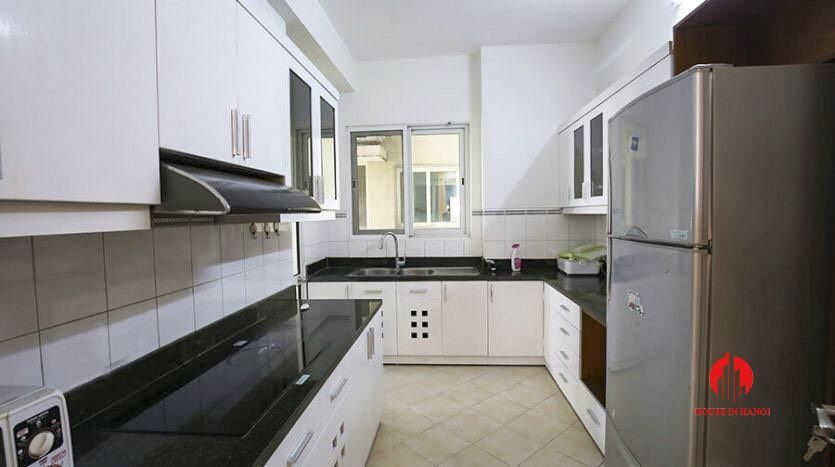 cheap 4br apartment for rent in e4 cipurta 3