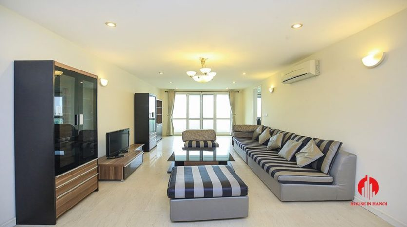 cheap apartment for rent in ciputra with golf view 14