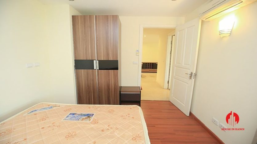 cheap apartment for rent in ciputra with golf view 3