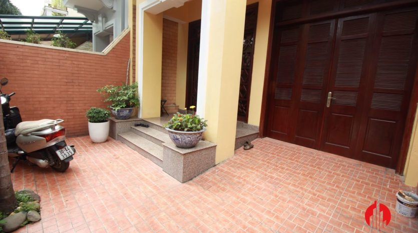 cheap house for rent in ciputra 10