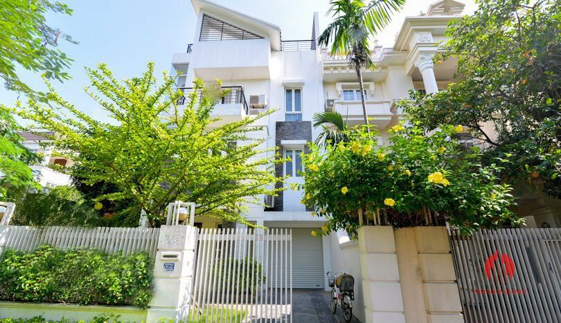 pool rooftop villa for rent in ciputra 19