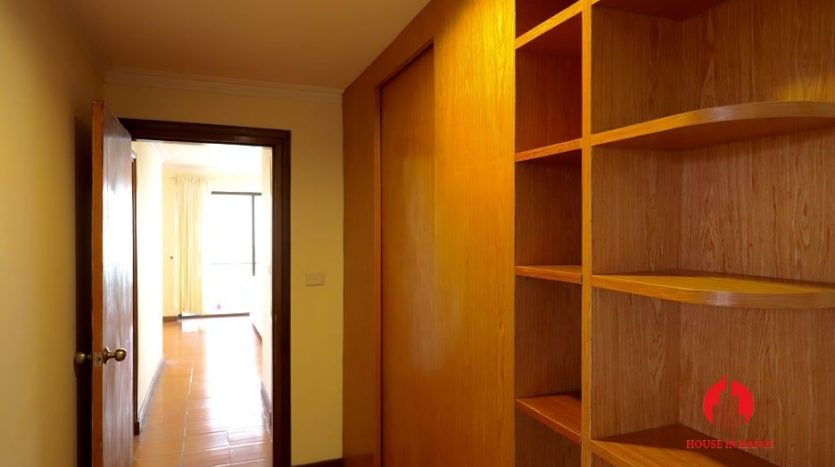 apartment for rent in truc bach 11
