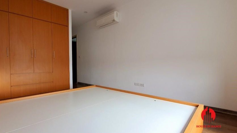 cheap apartment for rent in ngoai giao doan 11