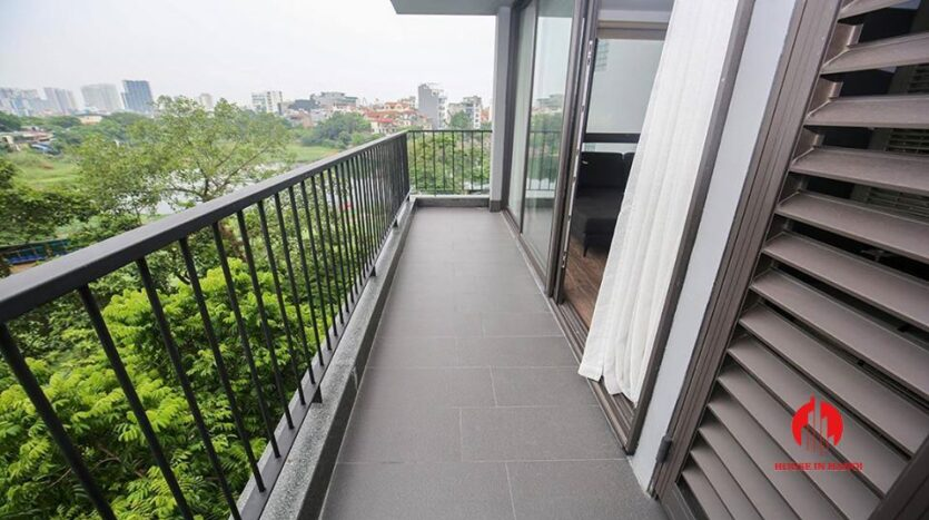 commodious 2 bedroom apartment for rent on to ngoc van 4