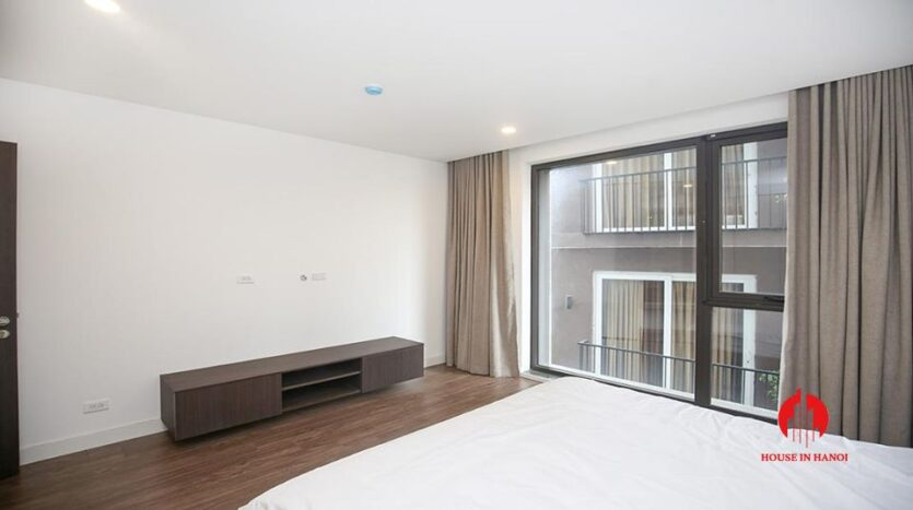 commodious 2 bedroom apartment for rent on to ngoc van 8
