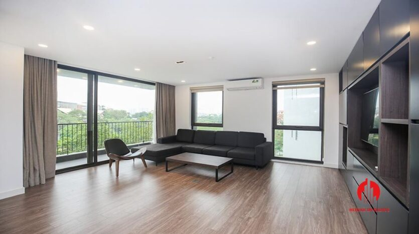 commodious 2 bedroom apartment for rent on to ngoc van 9
