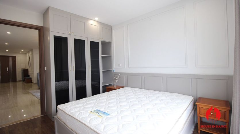 handsome apartment for rent in ciputra 12