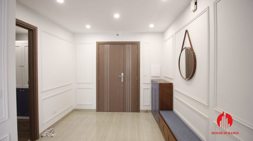 handsome apartment for rent in ciputra 13