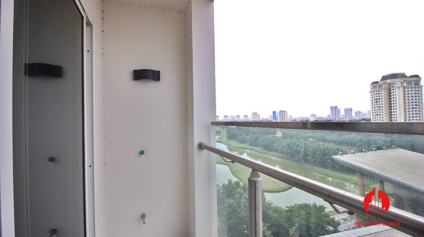 handsome apartment for rent in ciputra 4