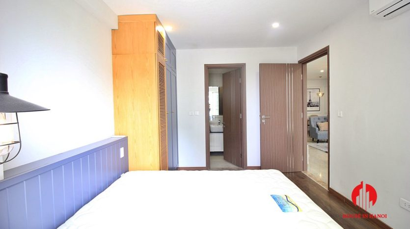 handsome apartment for rent in ciputra 5