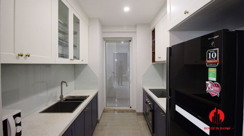 handsome apartment for rent in ciputra 7